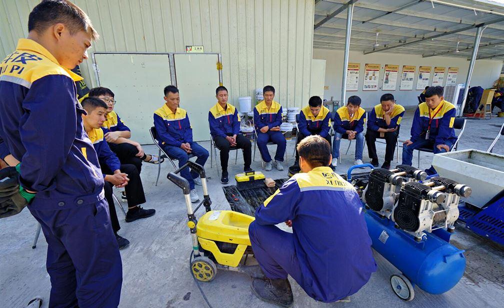 完善的培训教学体系 打造素质过硬的防水铁军